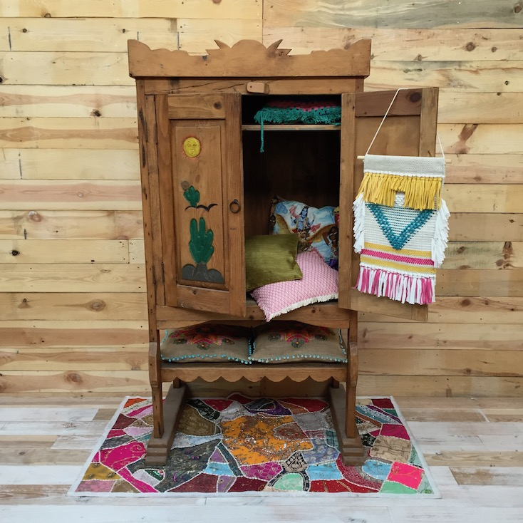 Slaapkamer Mexicaans Grenen.Gave Beschilderde Bohemian Mexicaanse Grenen Kast Ibizafactory Nl